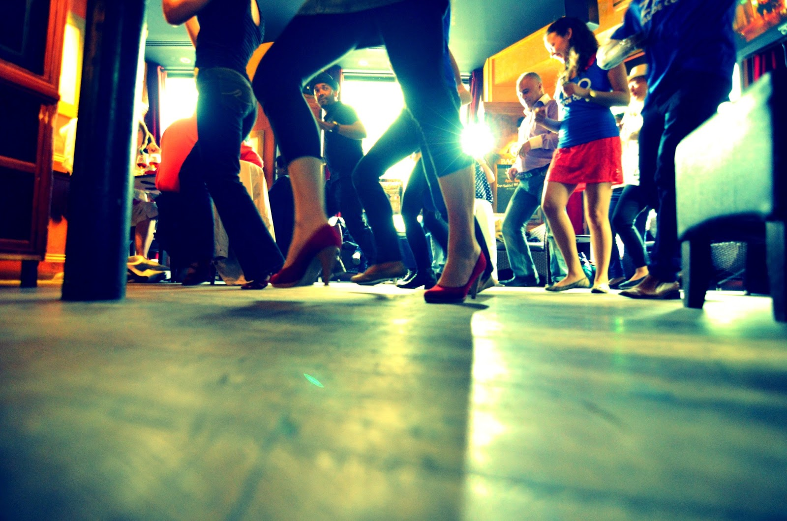 dancing-salsa